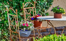 Space-Saving Ideas For Small City Gardens