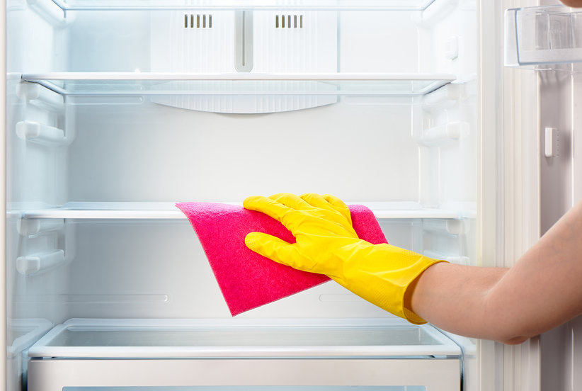 How To Keep Your Fridge Clean?