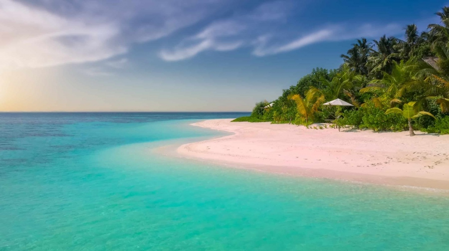 What To Pack For Your Tropical Honeymoon